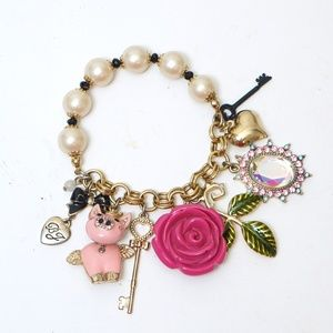 Betsey Johnson Pigs Can Fly Charm Bracelet